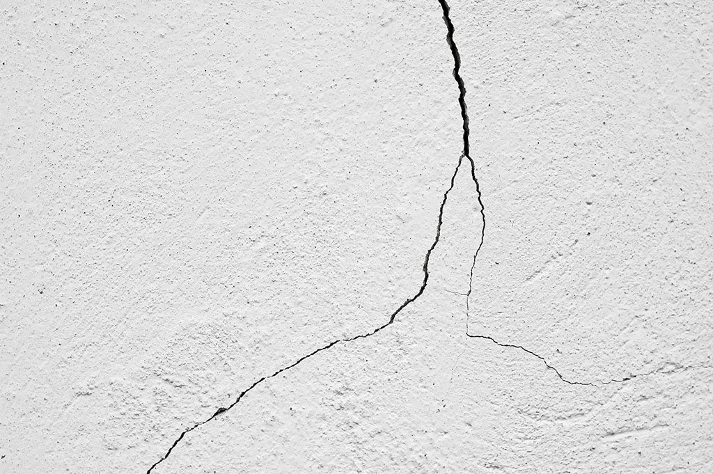Cosa-fare-quando-ci-sono-crepe-nei-muri