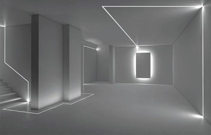Illuminazione integrata tra led e sensori automatici per una casa