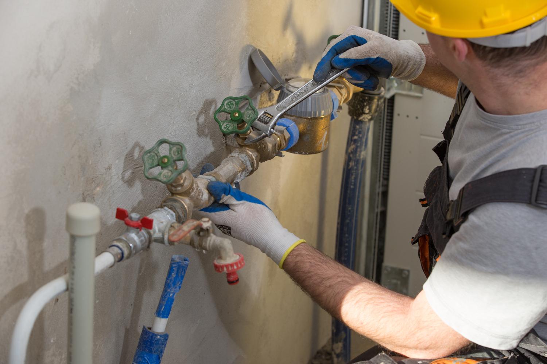 Rifare Impianto Idraulico Casa rifare l'impianto idraulico: quanto costa? - tipitipi magazine