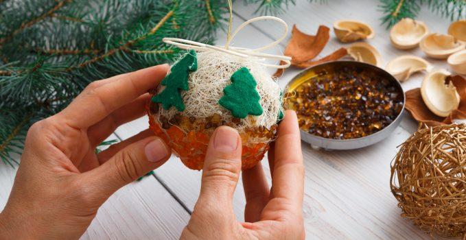 realizzare palline di natale ecologiche