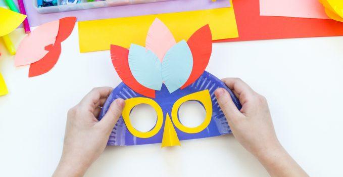 Maschera di Carnevale fai da te con i bambini